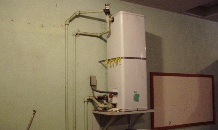 Can-I-plug-my-hot-water-heater-into-my-generator