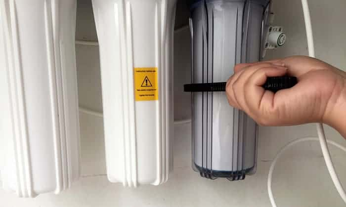 get-my-stuck-water-filter-out-of-refrigerator